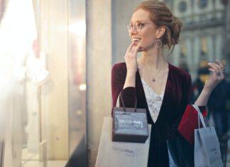 kobieta i zakupy
